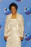 Gladys Knight wearing Damainou